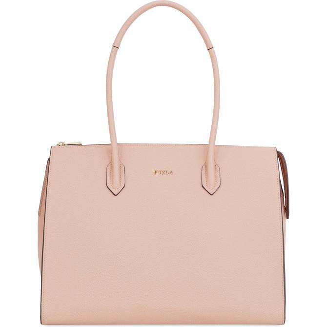 40代女性に人気の「FURLA(フルラ)」ブランドバッグ